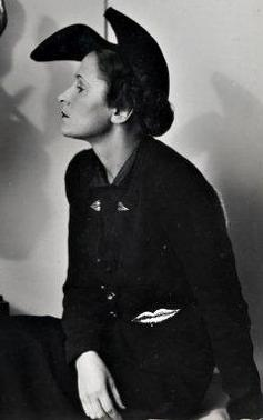 Elsa Schiaparelli is the one to whom the word  genius  is applied most  often  599bc6448a8