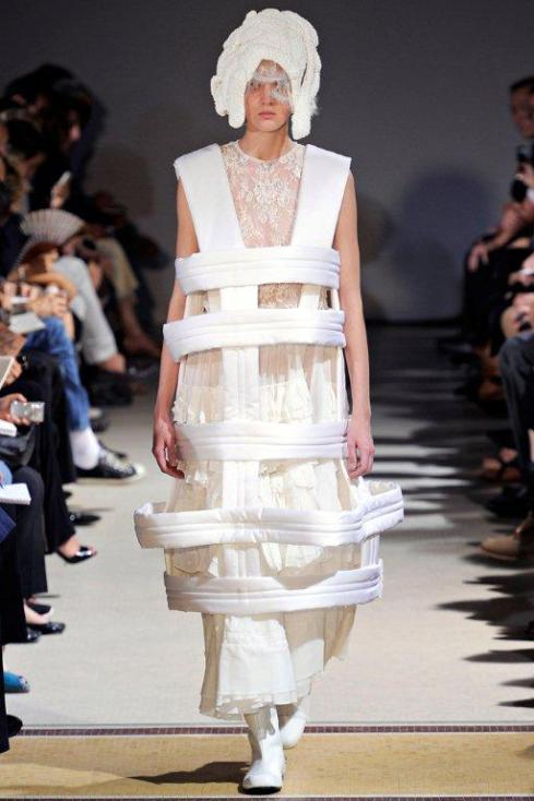 Comme des Garçons Spring 2012 Ready-to-Wear Collection Slideshow on Style.com