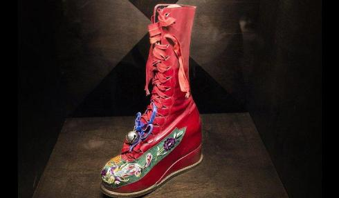 Frida Kahlo shoe