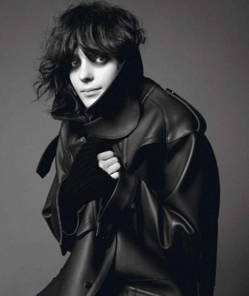 Kati-Nescher-by-David-Sims-Le-Noir-Dans-La-Peau-Vogue-Paris-November-2012-1-800x947