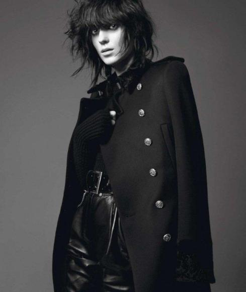 Kati-Nescher-by-David-Sims-Le-Noir-Dans-La-Peau-Vogue-Paris-November-2012-5-800x947