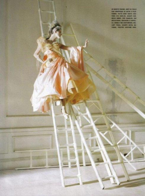 stella-tennant-imogen-morris-clarke-by-tim-walker-for-vogue-italy-march-2010-lady-grey-06
