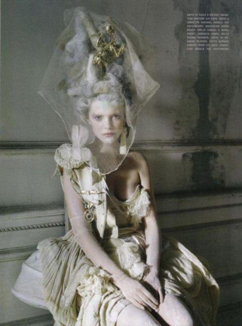 stella-tennant-imogen-morris-clarke-by-tim-walker-for-vogue-italy-march-2010-lady-grey-10