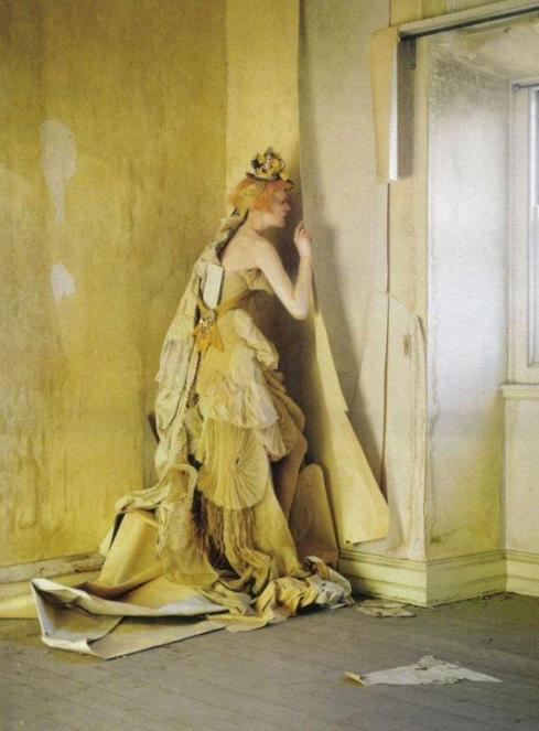 stella-tennant-imogen-morris-clarke-by-tim-walker-for-vogue-italy-march-2010-lady-grey-11
