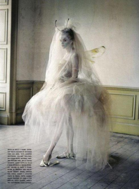 stella-tennant-imogen-morris-clarke-by-tim-walker-for-vogue-italy-march-2010-lady-grey-13