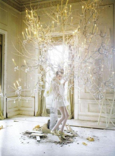 stella-tennant-imogen-morris-clarke-by-tim-walker-for-vogue-italy-march-2010-lady-grey-15