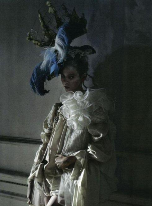stella-tennant-imogen-morris-clarke-by-tim-walker-for-vogue-italy-march-2010-lady-grey-18