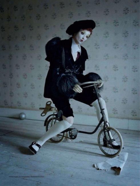 tim-walker-mechanical-dolls11