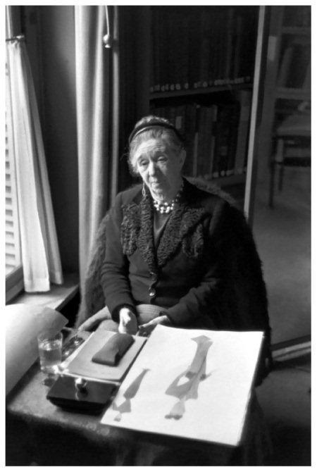 henri-cartier-bresson-madame-lanvin-1945
