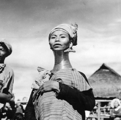 Amazing Photos of Burmese Women in The Past (3)