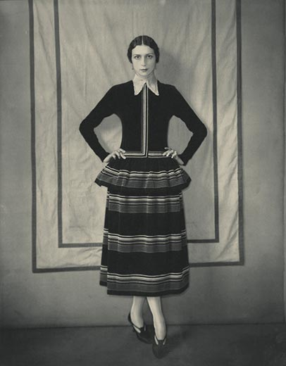 Model-Dinarzade-in-a-dress-by-Poiret-Edward-Steichen-10