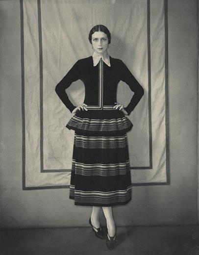Model-Dinarzade-in-a-dress-by-Poiret-Edward-Steichen-10