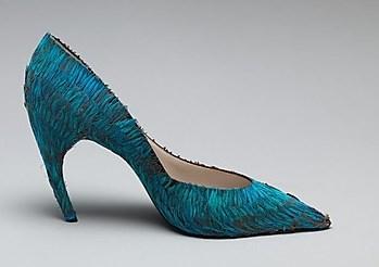 Shock heel