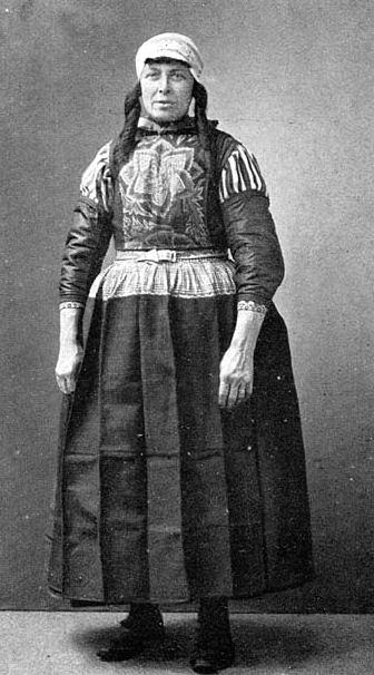 dutch traditional costume
