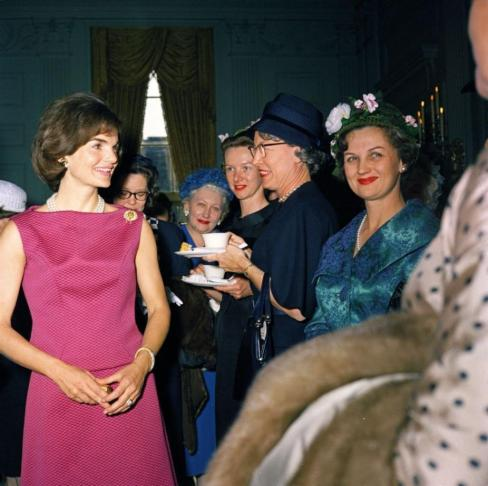 115113-jackie-kennedy-had-a-signature-style