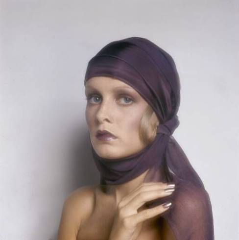 Twiggy by Justin de Villeneuve, Dudu make-up by Biba