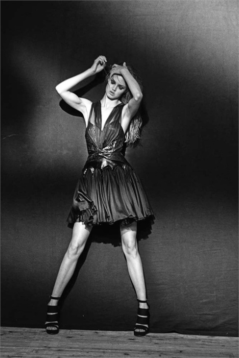 alac3afa-dress-springsummer-2010-azzedine-alac3afa-archives-c2a9-peter-lindbergh-for-alac3afa-2013-1