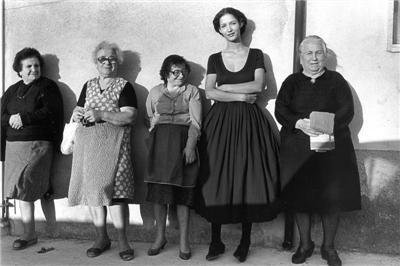 campagna-pubblicitaria-dolce_gabbana-ss-1987-photo-by-ferdinando-scianna
