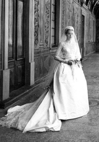Oleg Cassini Amp Grace Kelly A Fashion Able Love Affair