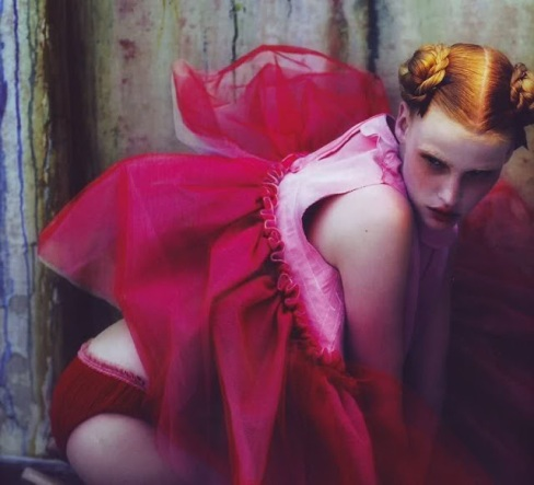Peek-a-Boo, POP AW 2007_Lara Stone by Mert and Marcus_wonderlandlondon_blogspot3