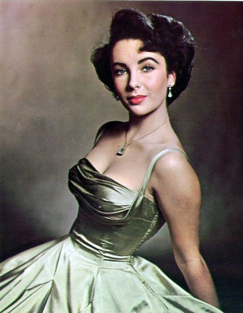 Elisabeth Taylor wearing Edith Head