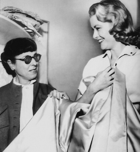 Edith-Head-and-Grace-Kelly