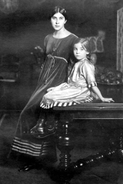 1911-with-her-daughter-Rosine-age-5_-Madame-Poiret-wears-a-gray-velvet-afternoon-dress-called-Toujours-Poiret-en-famille-November-1922