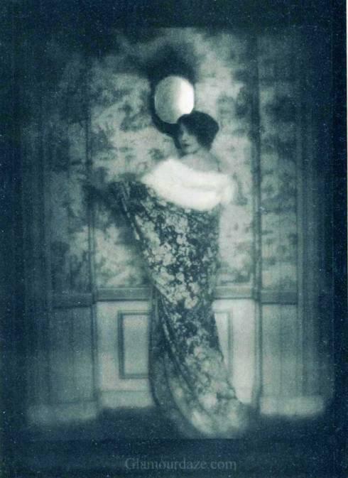 LArt-de-la-Robe-Paul-Poiret-1911c