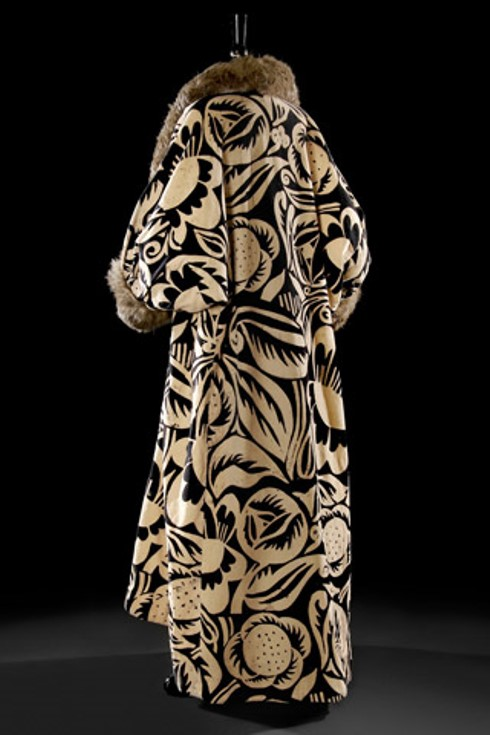 Poiret La Perse coat, 1911. Textile design by Raoul Dufy.