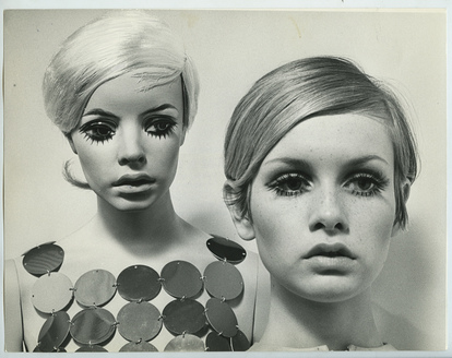 Twiggy and her mannequin by Rootstein