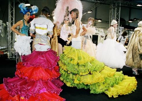 Backstage-Dior-Roxanne-Lowit
