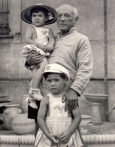 image-7-picasso-with-paloma-b-1949-in-arms-claude-b-1947-photo-1951