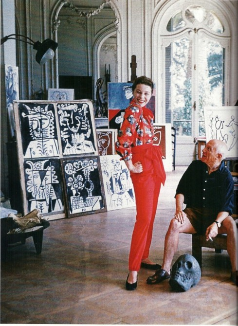 Claire McCardell top and slacks with Pablo Pacasso's print, in his studio, 1955