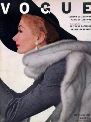 lisa-fonssagrives-British-Vogue-1951-London-Paris-Collections-Erwin-Blumenfeld