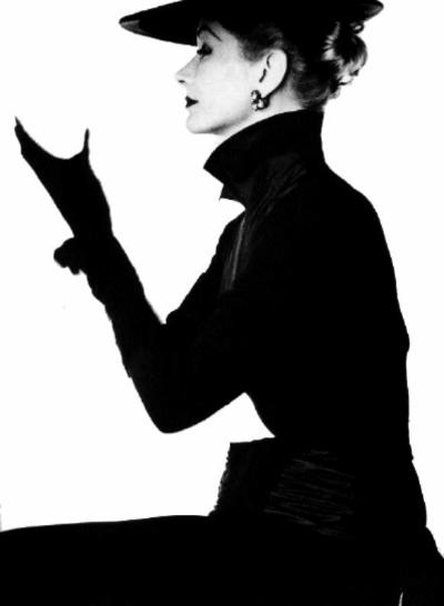 vogue-1952-lisa-fonssagrives-penn-irving-penn