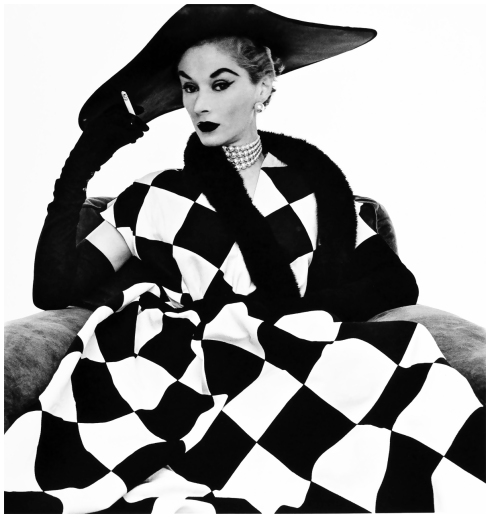 harlequin-dress-lisa-fonssagrives-1950-irving-pennb