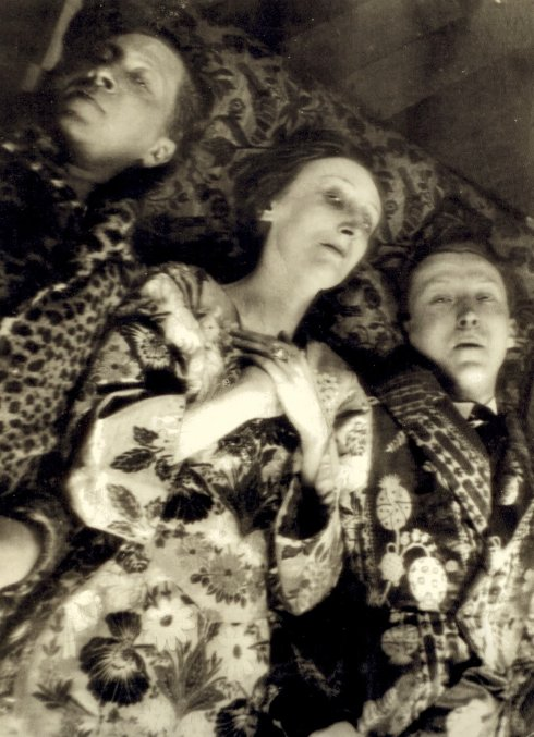 Cecil Beaton, Portrait of Edith Sitwell and her brothers, 1930's