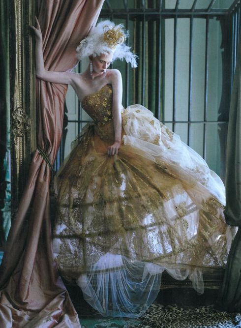 edie-campbell-karen-elson-by-tim-walker-for-love-magaine-10-fall-winter-2013-2014-3