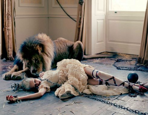 karen-elson-edie-campbell-by-tim-walker-for-love-magaine-10-fall-winter-2013-2014-11