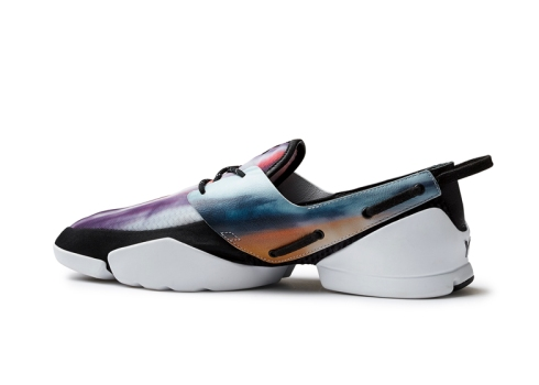 Spring-Summer-2014-footwear-by-Y-3-and-Peter-Saville-for-Adidas_dezeen_ss_141