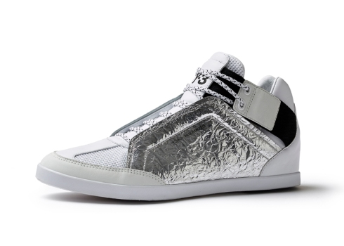 Spring-Summer-2014-footwear-by-Y-3-and-Peter-Saville-for-Adidas_dezeen_ss_61