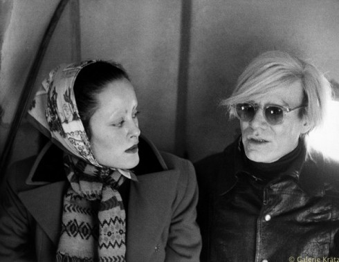 Jane Forth & Andy Warhol in der Kutsche, Bayern 1971