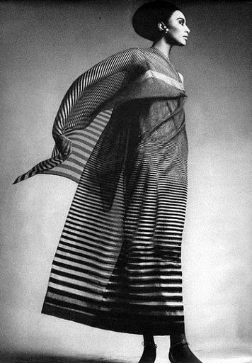 Donyale Luna, ph. Richard Avedon, HARPER'S BAZAAR APRIL 1965