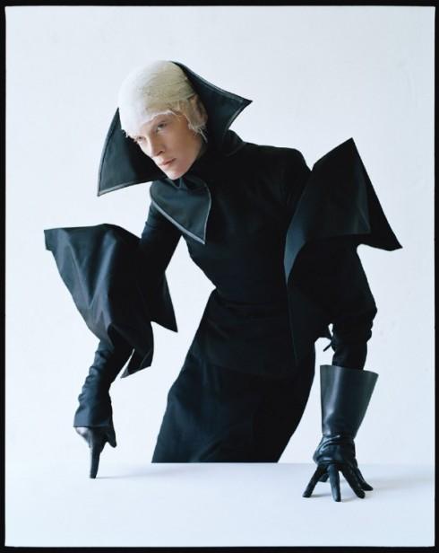 Tim-Walker-Dame-of-Thrones-W-MAgazine-Sept-2012-4--600x755