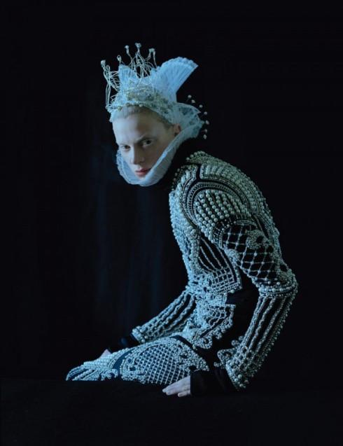 Tim-Walker-Dame-of-Thrones-W-MAgazine-Sept-2012-6--600x780