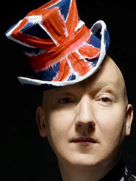 9352348aa58 union jack hat Union Jack hat CdG by Stephen Jones 2006