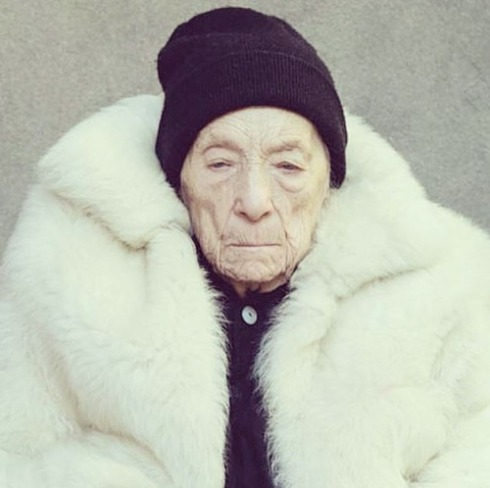louise-bourgeois-by-alex-van-gelder-for-w-magazine-2010